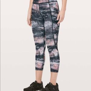 "LULULEMON - NWT Time to Sweat Crop 23"" (12)"